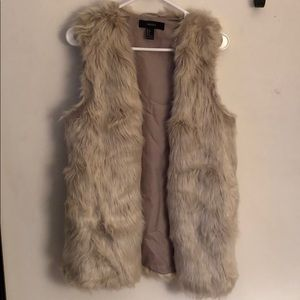 Forever 21 oversized faux fur vest, size S